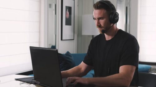 Amazon Wow Salary Days have arrived: Up to 30% off on Laptops, Up to 50% off on Earphones