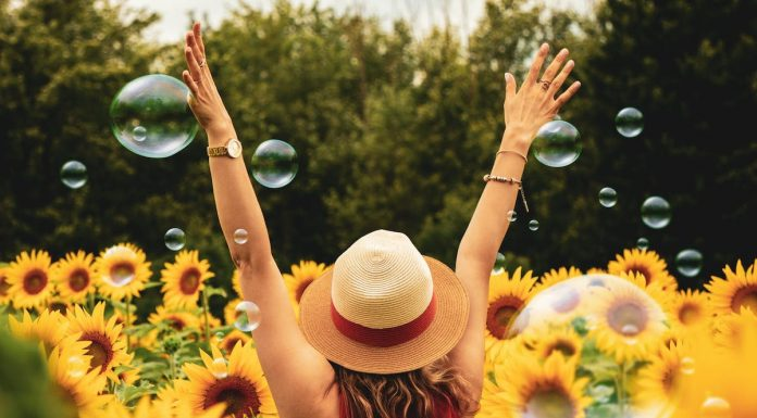 Follow These 10 Tips to Lead a Happy and Positive Life